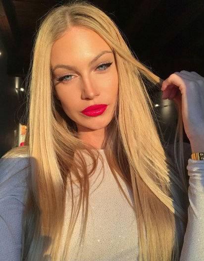 Taylor Mega, le immagini più hot 13