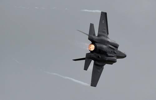 Angela Merkel sfida Trump: Berlino non acquisterà gli F-35
