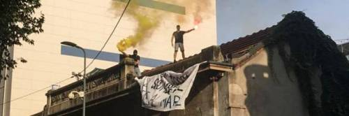La polizia sventa l'occupazione di una palazzina a Milano