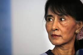 Amnesty International ritira la massima onorificenza ad Aung San Suu Kyi per l'indifferenza nei confronti dei Rohingya