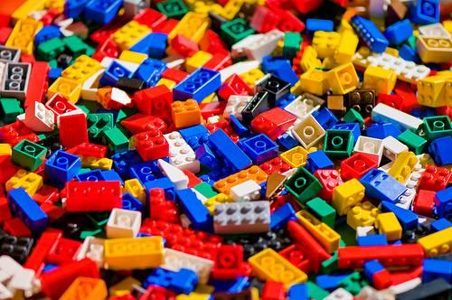 I mattoncini della Lego rendono più dell'oro e dei bond americani