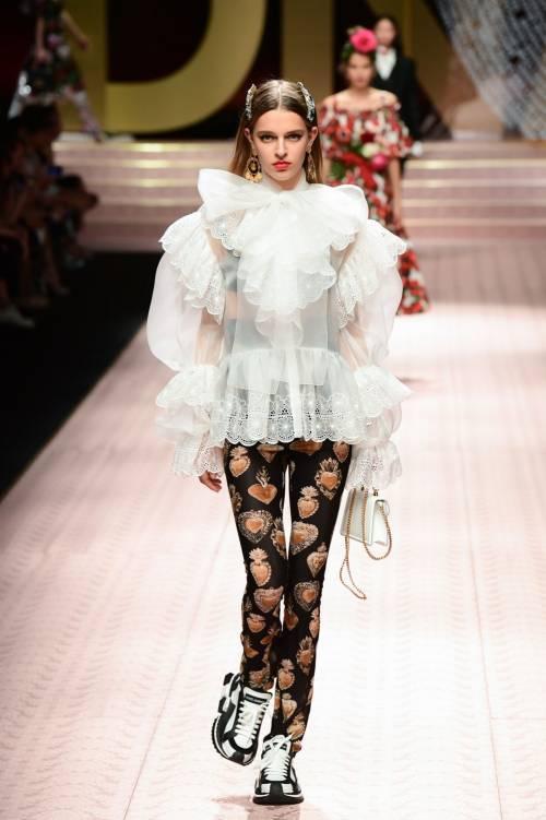 Monica Bellucci e le star in passerella per Dolce & Gabbana 10