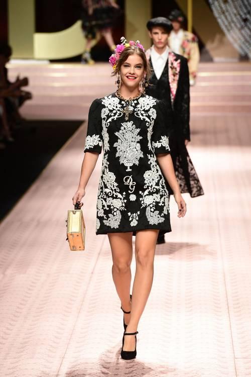 Monica Bellucci e le star in passerella per Dolce & Gabbana 4