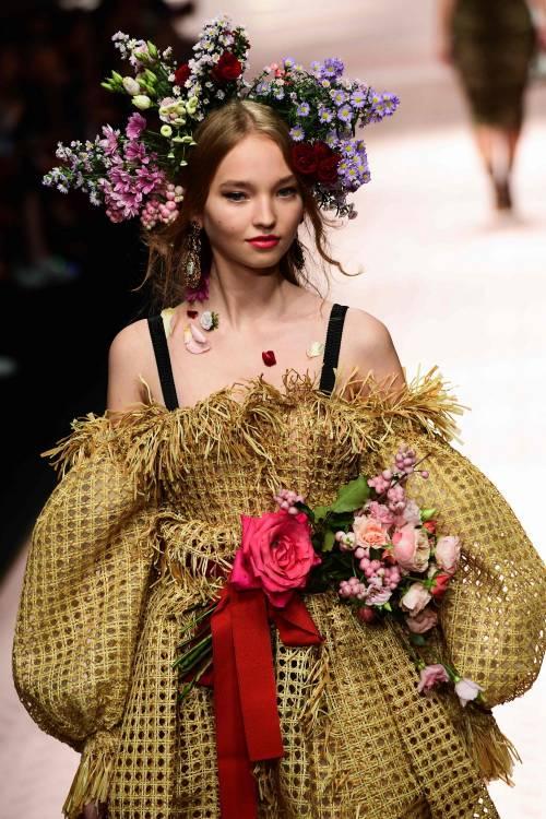 Monica Bellucci e le star in passerella per Dolce & Gabbana 8