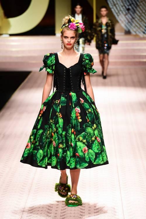 Monica Bellucci e le star in passerella per Dolce & Gabbana 2