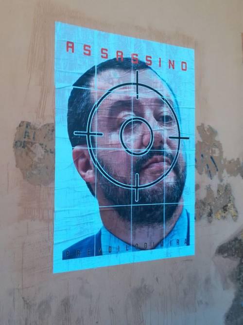 """Salvini in manifesto al centro di mirino, l'odio del Cua: """"Assassino"""""""