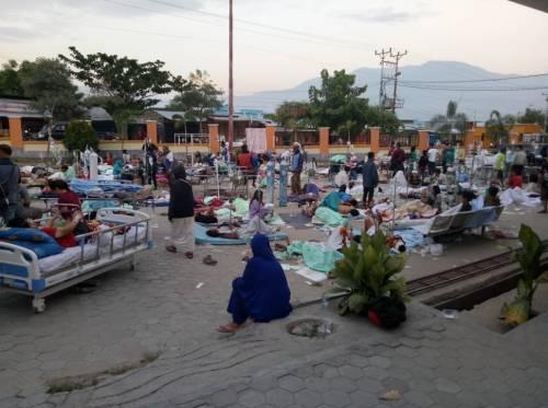 Le immagini del disastro in Indonesia 3