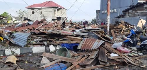 Le immagini del disastro in Indonesia 2