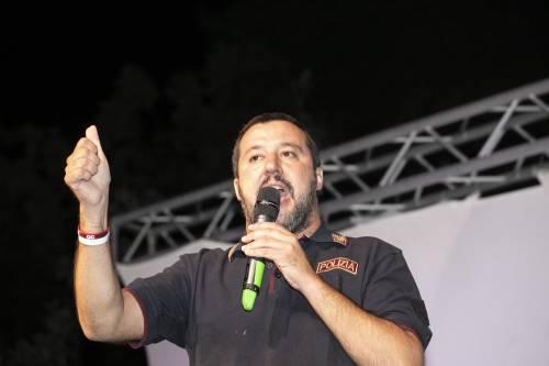 """Arrestato il sindaco di Riace, Salvini: """"Chissà cosa dirà ora Saviano"""""""