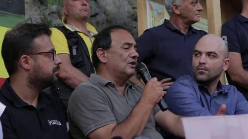Favoreggiamento ai clandestini Manette per il sindaco di Riace