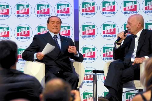 """Berlusconi smonta la manovra: """"Il reddito minimo è una bufala"""""""