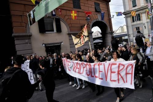 Genova, la protesta contro il governo 3