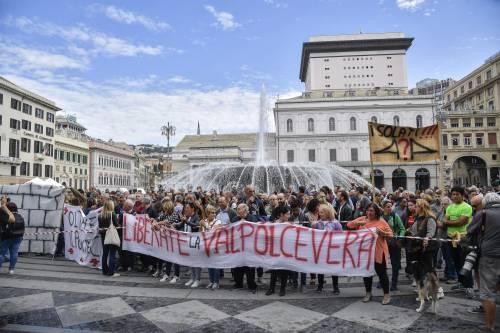 Genova, la protesta contro il governo 7