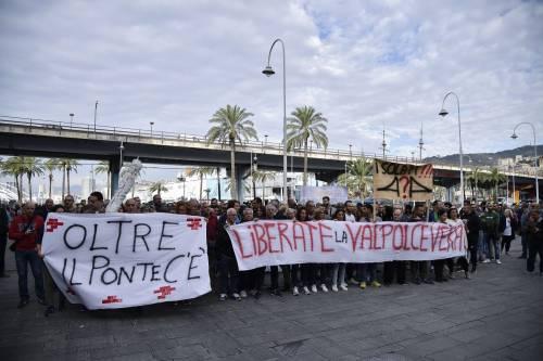 Genova, la protesta contro il governo 10