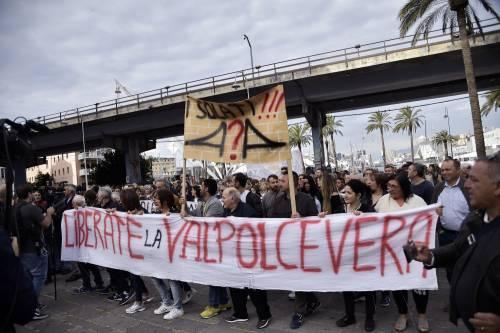 Genova, la protesta contro il governo 2