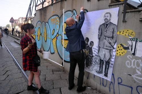"""""""Una pis...ata vi seppellirà"""", nuovo murales anti Salvini a Milano 9"""