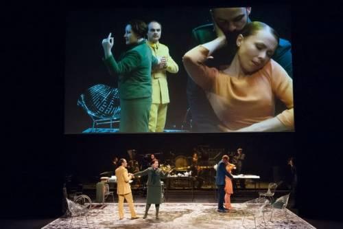 """""""Aliados"""" ai confini del teatro musicale Rivas convince e vince il Leone d'Argento"""
