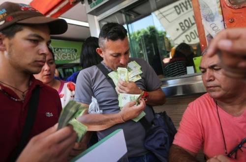 Venezuela, inflazione record supera il 340%