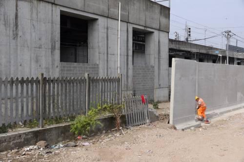 Il muro anti droga a Rogoredo 6