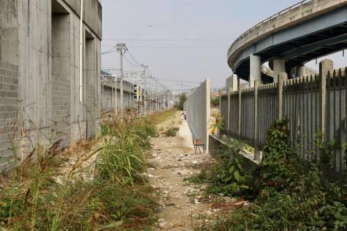 Il muro anti droga a Rogoredo 7