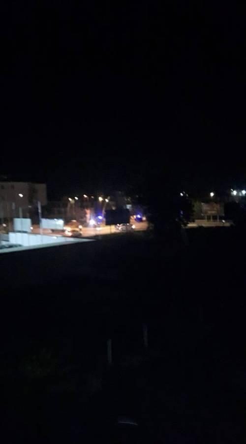 Brusciano, gambizzato mentre rientrava dal lavoro: i carabinieri sul posto