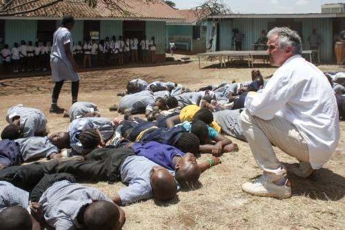"""Nairobi, se la salvezza dall'inferno arriva dal """"Paradiso"""" (di Dante)"""