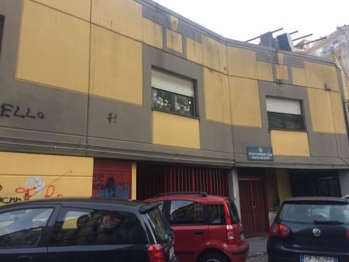 A scuola cede rampa della scala antincendio e maestra rimane ferita: le immagini della struttura  3