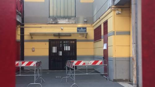 A scuola cede rampa della scala antincendio e maestra rimane ferita: le immagini della struttura  5
