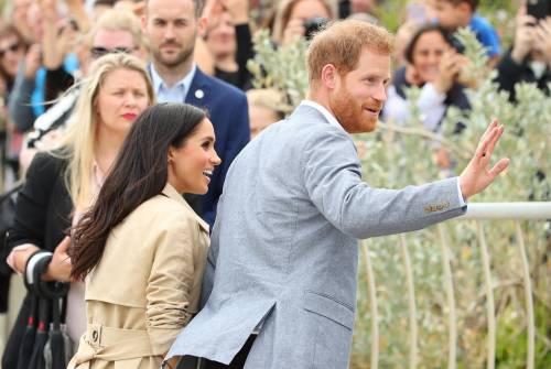 Principe Harry: è mistero per l'anello nero al dito