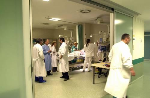 Manovra, via libera a chi esercita professioni sanitarie senza titolo