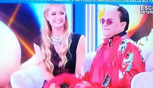 Domenica Live: l'incontro (s)cult tra Paris Hilton e Malgioglio