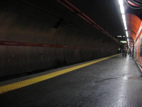 A Roma è caos metro, ma la Raggi promette la linea D per ricandidarsi