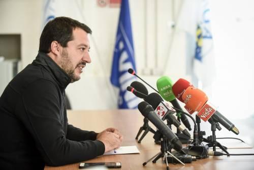 """Salvini: """"Sulla carta d'identità elettronica in arrivo dicitura 'madre' e 'padre'"""""""