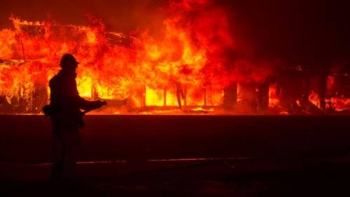 Incendi in California, ordine di evacuazione per Malibù 5