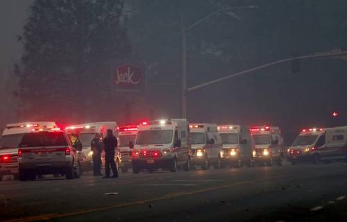 Incendi in California, ordine di evacuazione per Malibù 6