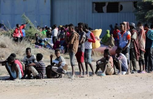 """Libia, abusi sui minori nei campi finanziati dall'Ue: """"Un inferno in terra"""""""