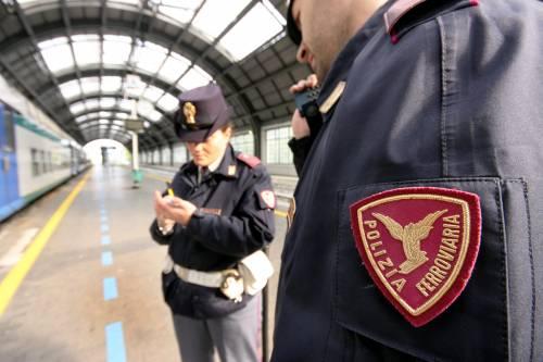 Ruba un giubbotto in stazione: preso e condannato