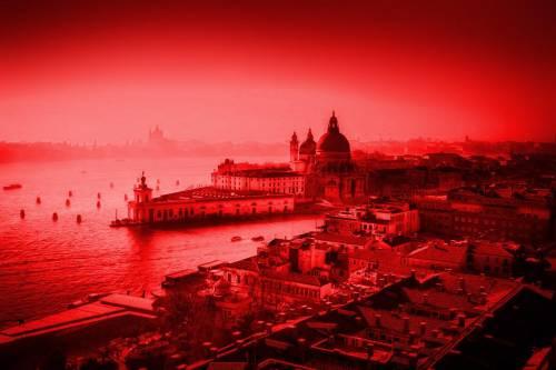 Asia Bibi non si muove. E Venezia si fa rossa per i martiri cristiani