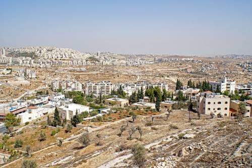 Uccidono a sassate una palestinese: in manette cinque adolescenti israeliani