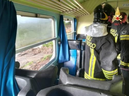 Crotone, tromba d'aria travolge un treno 3