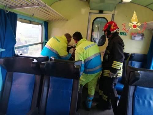 Crotone, tromba d'aria travolge un treno 4