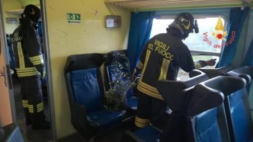 Crotone, tromba d'aria travolge un treno 2