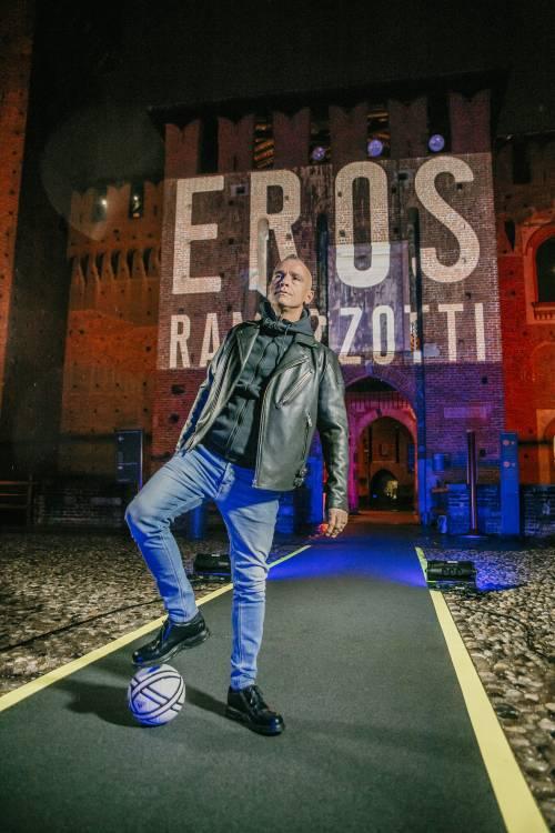 """Eros Ramazzotti torna con un nuovo disco: """"Lo dedico a Pino Daniele"""""""