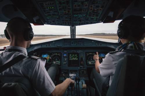 Il pilota si addormenta in volo e sbaglia l'atterraggio di 50 km