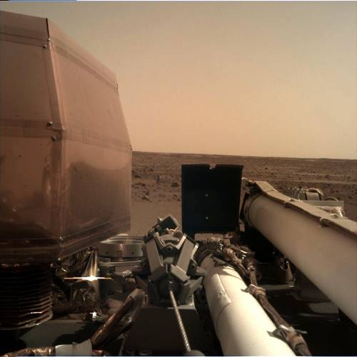 Ecco il primo selfie da Marte: la sonda InSight pronta a esplorare il sottosuolo