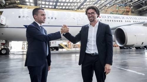 Air Renzi, paga Alitalia La sceneggiata M5s costa già 28 milioni