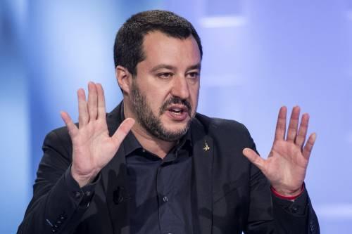 """""""Non parlare di Gesù"""", """"Avanti"""". Scontro tra Avvenire e Salvini"""