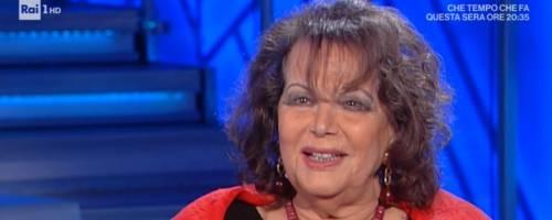 """Claudia Cardinale gela la Venier: """"No, dello stupro non voglio parlare"""""""