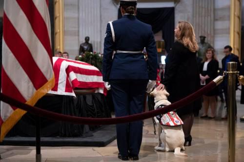 Trump rende omaggio a Bush 7