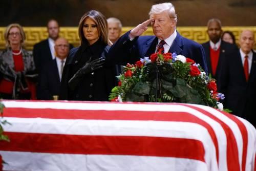 Trump rende omaggio a Bush 3